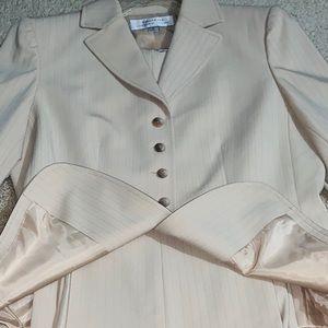 Tahari Arthur S. Levine Cream Pants Suit 8